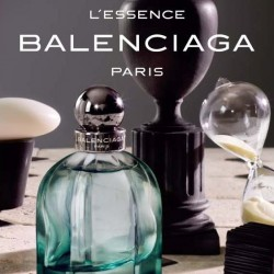 Cristobal Balenciaga Paris 10 Avenue George V L`Essence